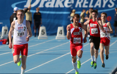 2013 Drake Relays Day 1: Slideshow