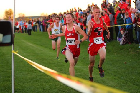 Mary Arch Leads Cross Country Girls to Second