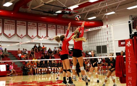 Volleyball Season Comes to an Early End in 5th Set