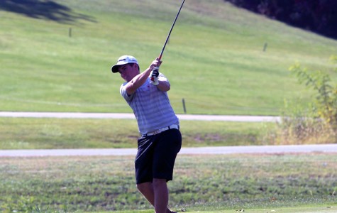 Golf Places Sixth at District Meet