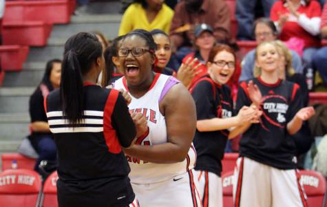 Girls Basketball defeats Hempestead Mustangs on Senior Night