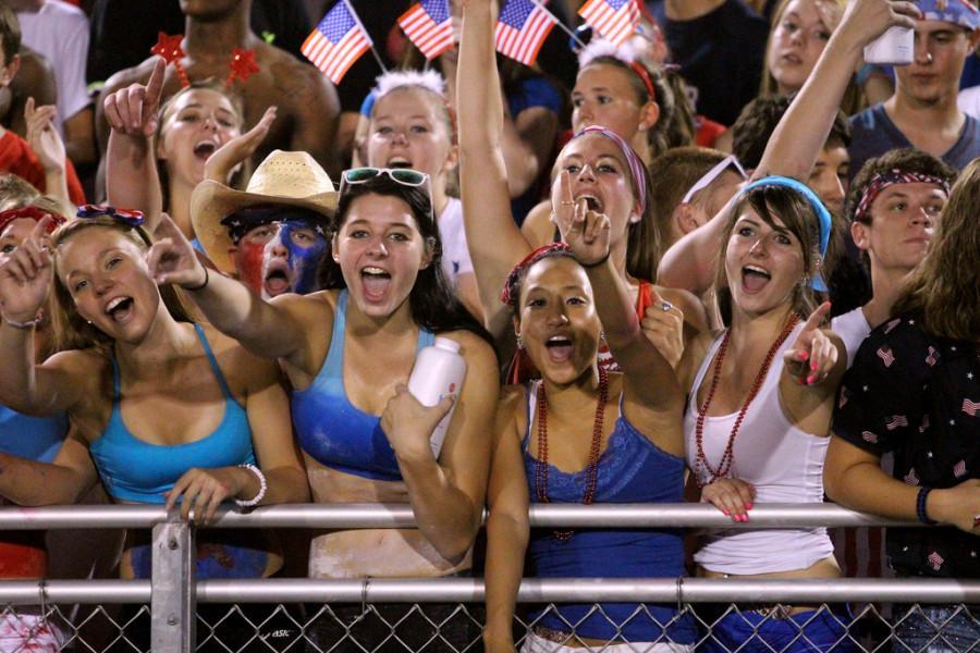 Students cheer on USA NIght