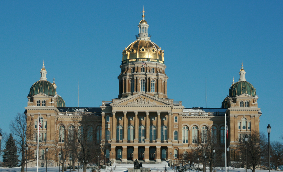 Iowa capital building in Des Moines.  Photo courtesy of Wikimedia Commons
