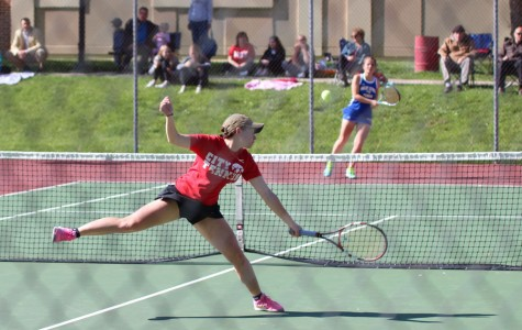 City Girls Tennis beats Wahlert on Senior Night (9-0)