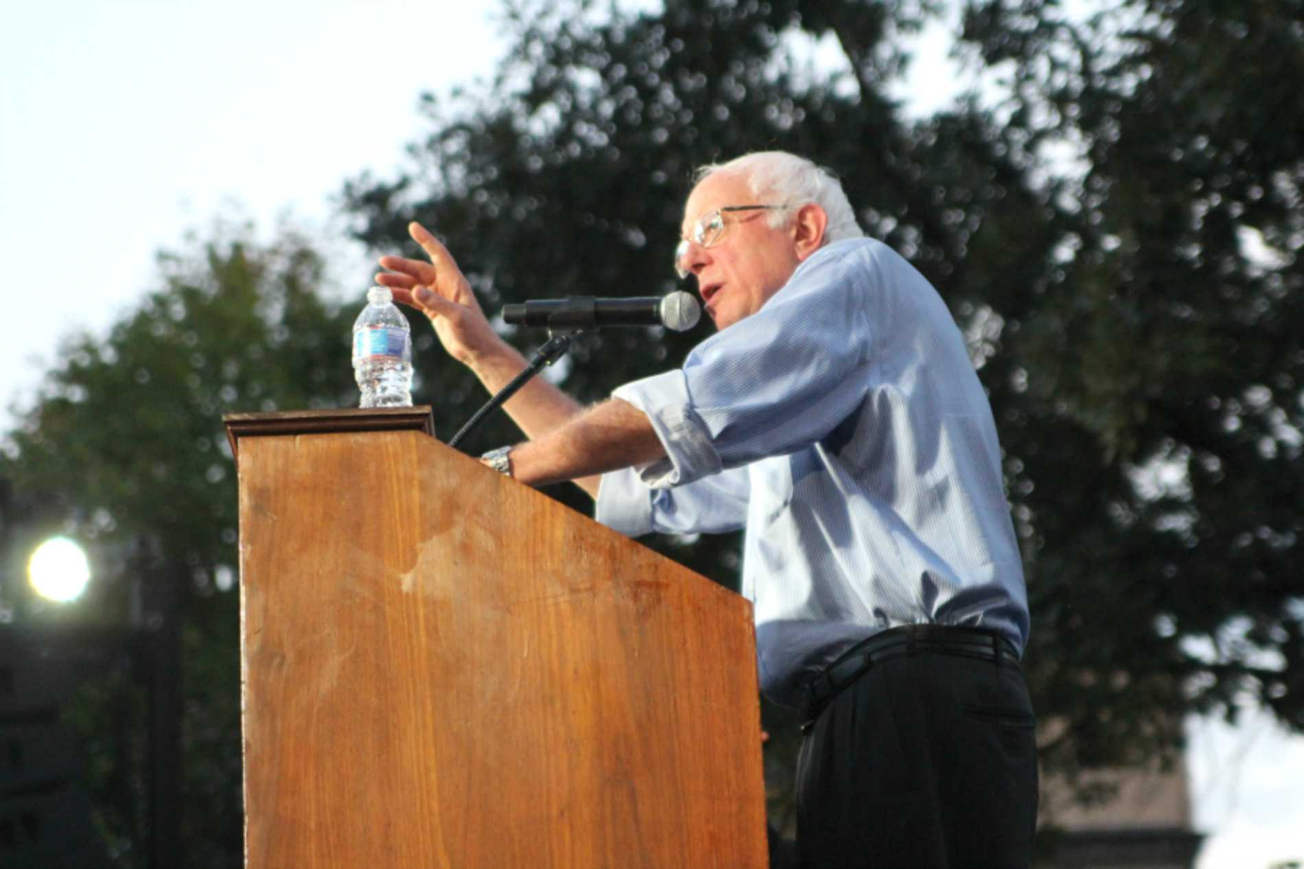 Senator Sanders speaks at Coe College.