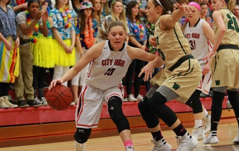 Ashley Joens Breaks All-Time Scoring Record