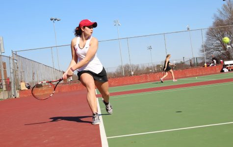Double Loss to Linn-Mar For Tennis