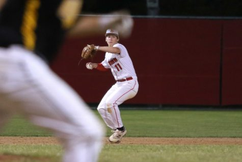 Whitlow Closes Out Against Bettendorf For Little Hawks – The
