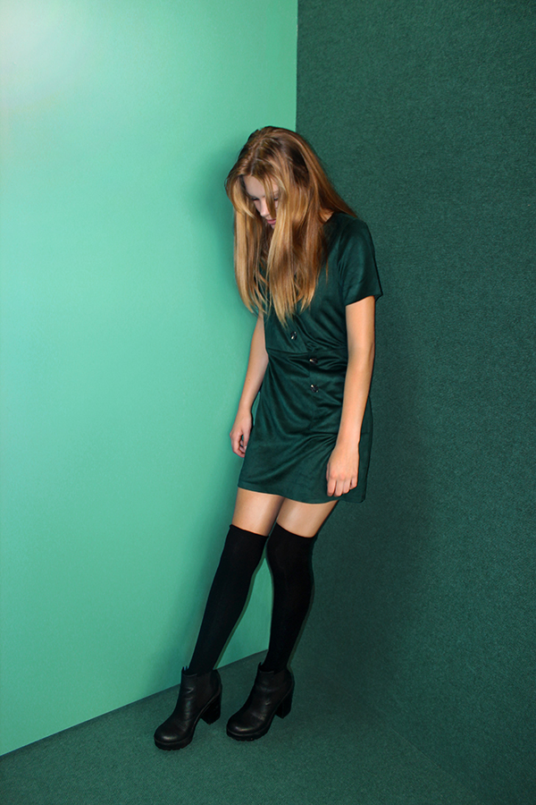 EMERALD%3A+DRESS-+Trafaluc.+SHOES-+Divided.+SOCKS-+H%26M.
