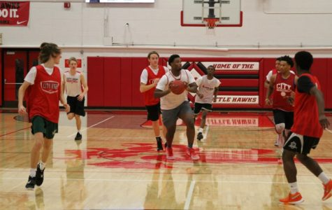 Boys Basketball Holds Red & White Scrimmage