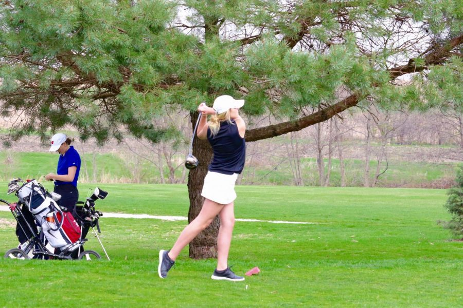 Lexi+Shield+%2718+tees+off+during+a+meet+at+Pleasant+Valley+Golf+Course+on+April+13th.+