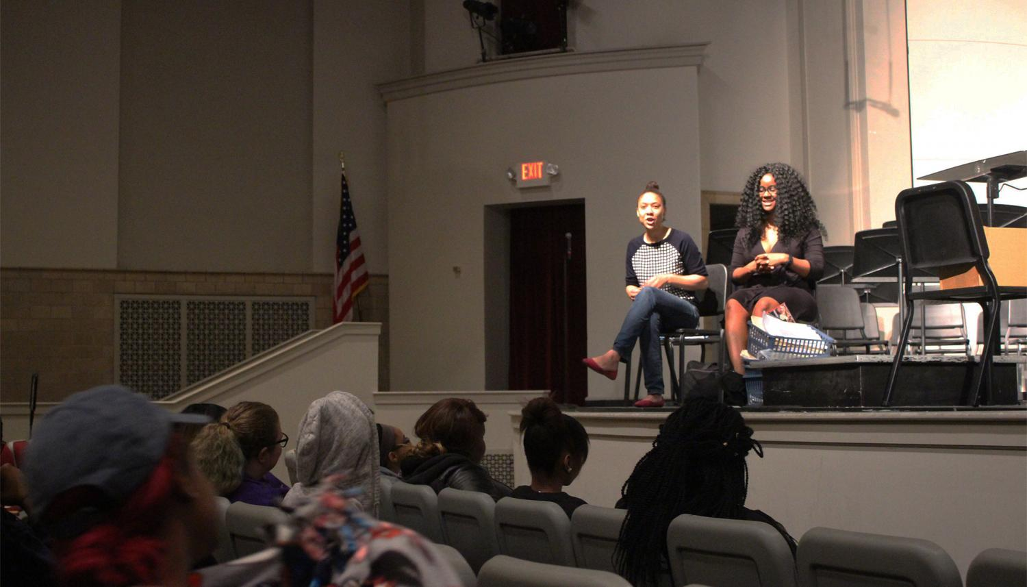 Representatives From College Mentor Workshop Come To City