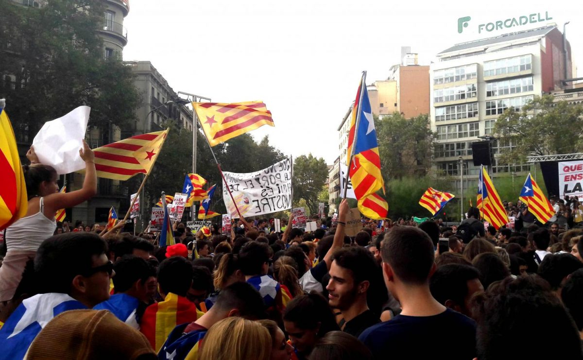 Catalan+protestors+take+to+the+streets+after+the+referendum+was+violently+shutdown+by+the+Spanish+government.+Students+can+use+their+developed+language+skills+on+study+abroad+trips+along+with+the+new+academically+facilitated+environment.