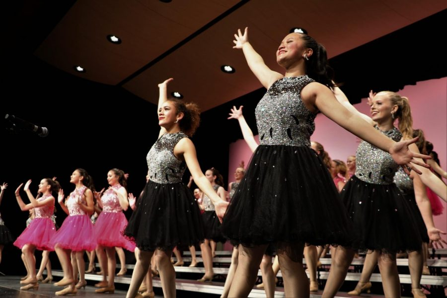 Dollars For Scholars Show Choirs Perform at Liberty