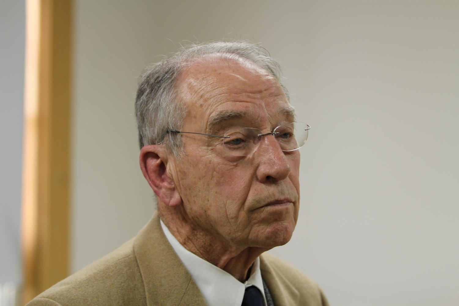 Grassley+stated+in+the+press+conference+that+reimplementing+the+Federal+Assault+Weapons+Ban+of+1994+would+not+effectively+stop+school+shootings+from+happening.