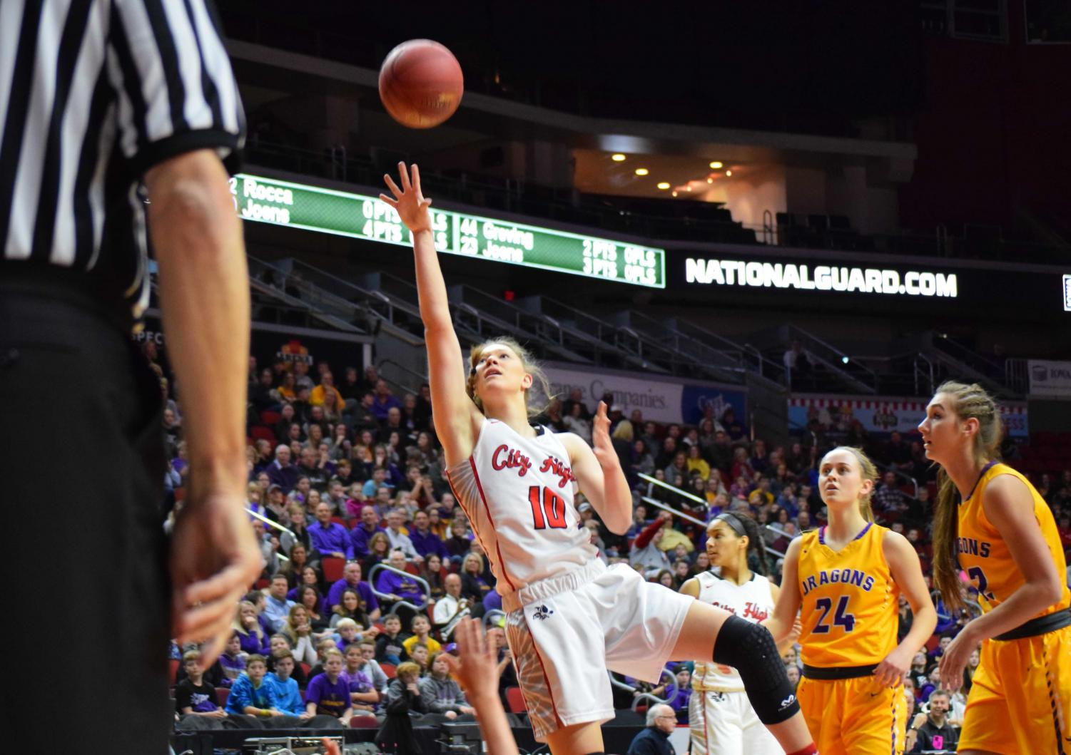 Joens went 8-12 in the victory to score 24 points and break the state tournament scoring record .