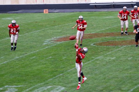Freshman Football Team Falls to Peet