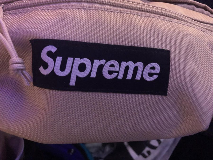 Supreme+fanny+pack+as+worn+by+TJ+Murphy.