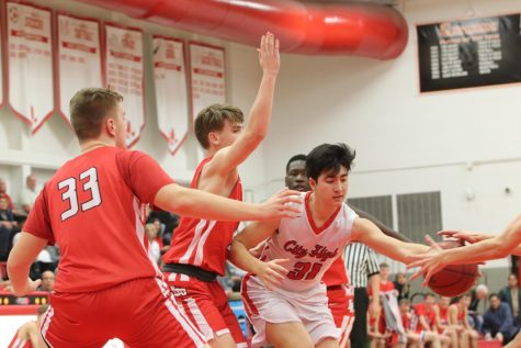 Sophomore Basketball Falls to Linn-Mar