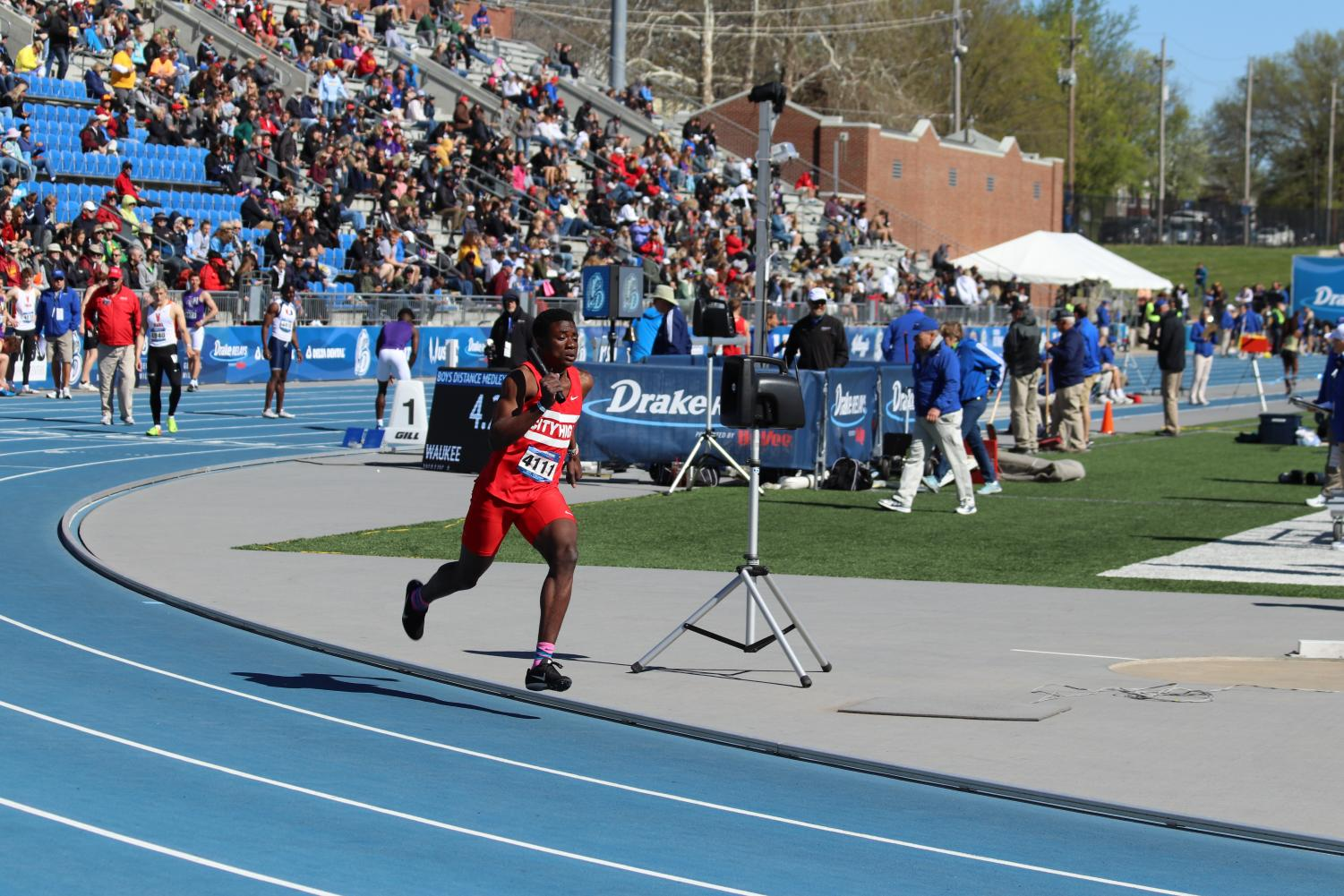 Kaleba Jack starting off the 4x100 at Drake Relays.