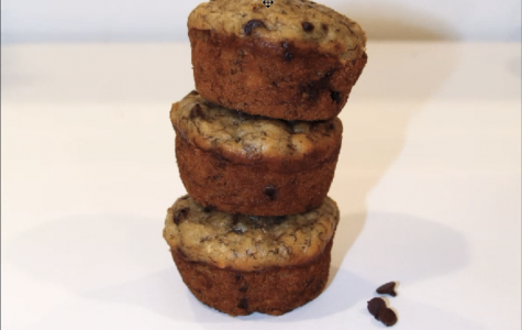 Banana chocolate chip muffins ready to be enjoyed.