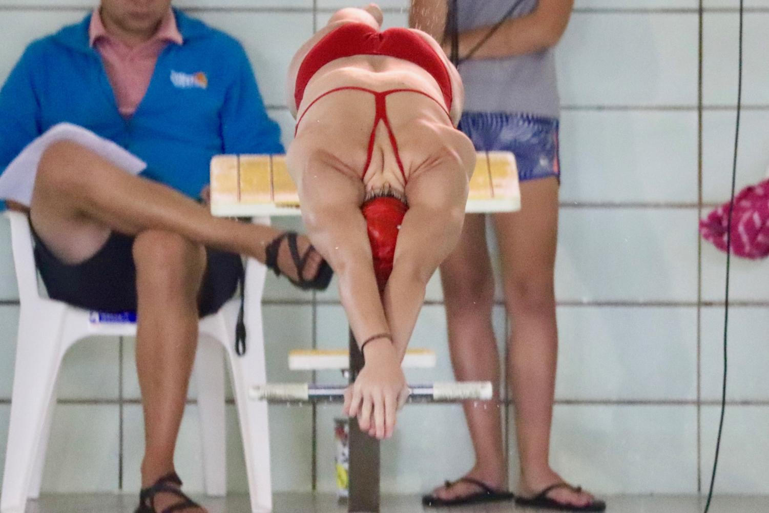 Olivia+Masterson+%2720+diving+into+the+water+at+the+start+of+her+200+individual+medley.