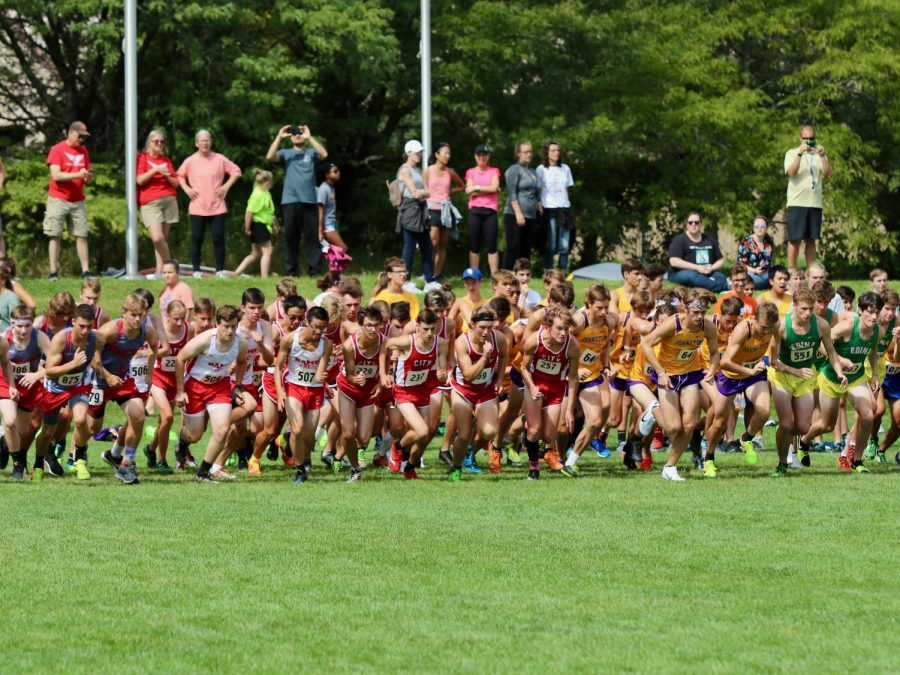 The+boys+JV+begin+their+race+on+September+7th+at+Pleasant+Valley.