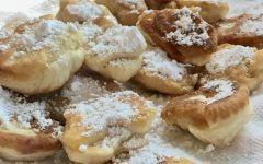 Krepcha dusted with powdered sugar.