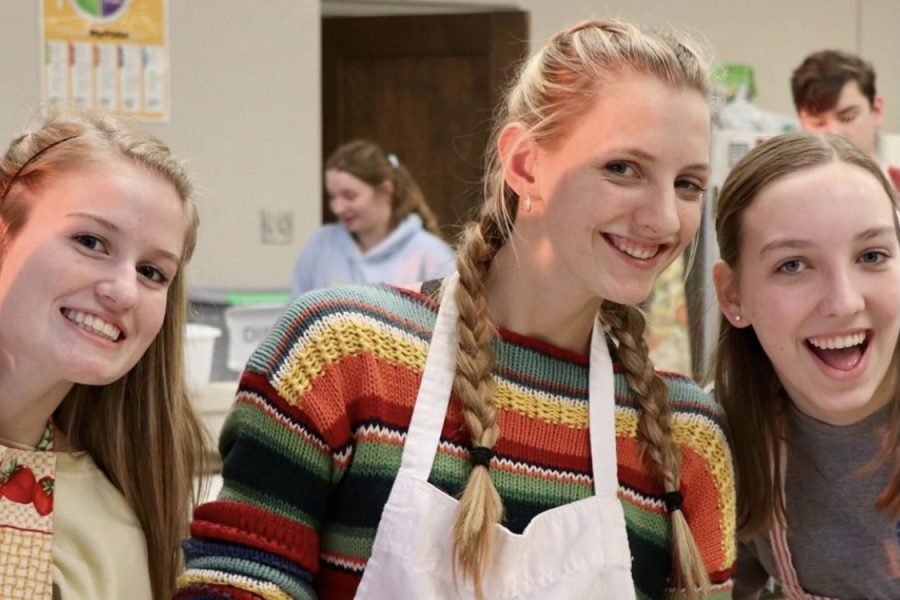 Club members bake during culinary club.