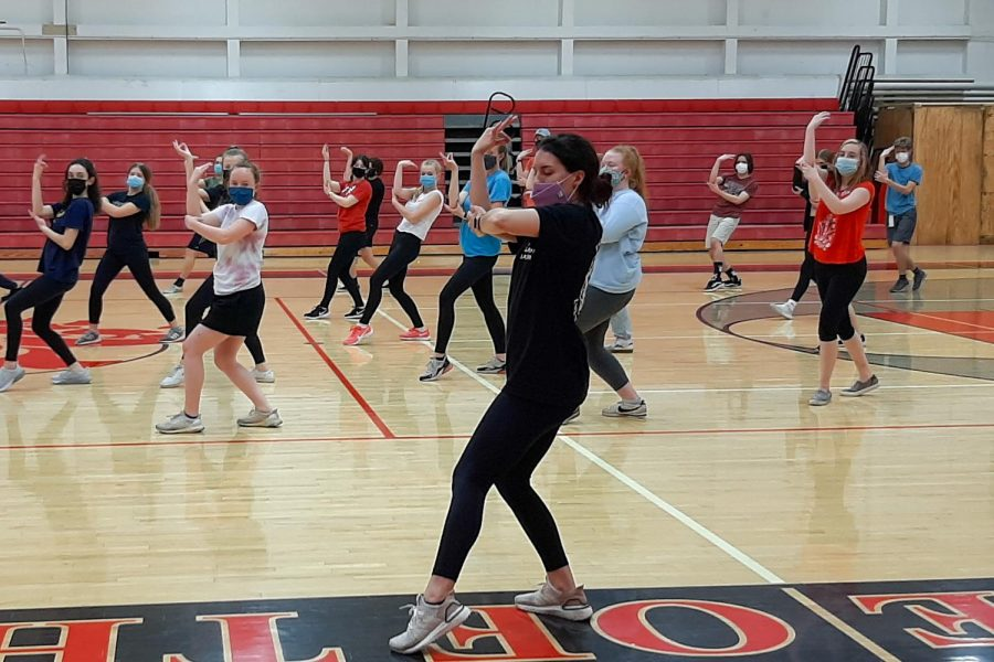 Show choir auditions for 2022 were held in the gym.  Students learned learned new choreography to prepare for auditions.