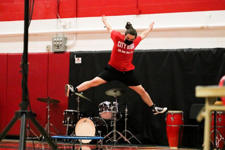 Rigby Templeman '23 performs a stunt in