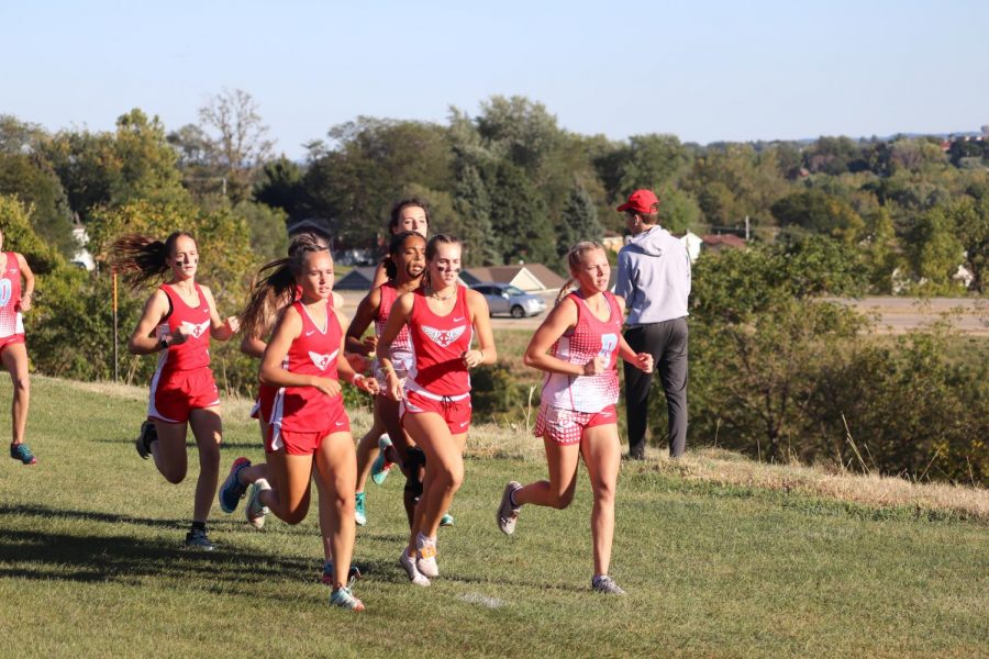 Junior+Varsity+runners+have+a+strong+start+and+finish+placing+first+overall+for+City+High+with+38+points.
