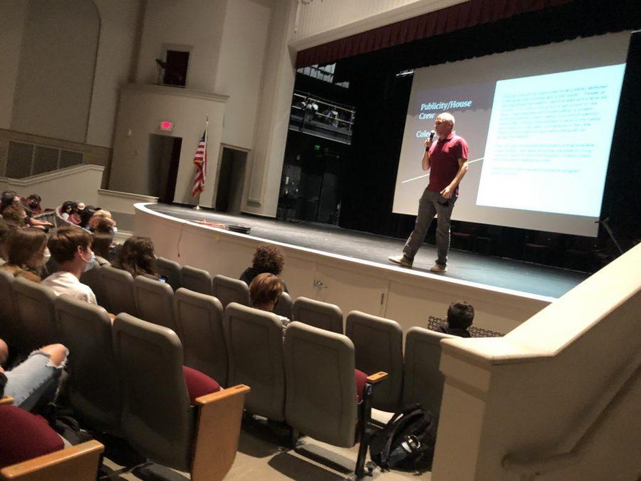Doug Lestina speaks to students interesting in crew.